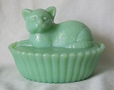 Westmoreland Jadeite Jadite Cat on a Nest, Green Milk Glass Kitten Candy Box