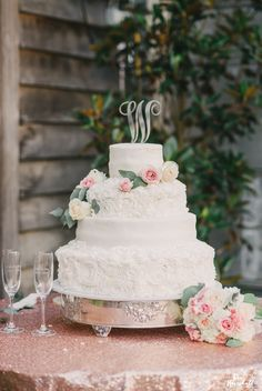 blush and white spray roses, silver dollar eucalyptus, rose gold sequins