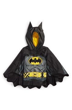 "Free shipping and returns on Western Chief 'Batman™ - Caped Crusader' Hooded Raincoat (Toddler) at Nordstrom.com. ""I am vengeance...I am the night...I am BATMAN!"" He can proudly proclaim in this caped, waterproof jacket perfect for striking fear into the forces of evil whenever bad weather hits. Equipped with Batman's iconic utility belt and a lined hood topped with bat ears, it's the perfect choice for staying dry while saving the day."
