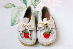Soviet Strawberry Moccasins / Light Grey Leather Toddler Slip