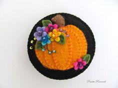 Felt Pumpkin Pin / Fall Pin / Halloween Pin by Beedeebabee on Etsy, $24.00