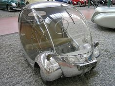 """Bubble cars"" refers to vehicles in the shape of a sphere.European two-seater with futuristic stylings, like most bubble cars. Even has a nice coat of metallic silver paint. Strange Cars, Weird Cars, E Biker, Microcar, Transporter, Unique Cars, Cute Cars, Small Cars, Car Humor"