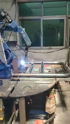 We are using robot welding to make protection barrier Robotic Welding, Diy Welding, Welding Tools, Metal Welding, Steel Grill Design, Steel Railing Design, Industrial Welding, Industrial Robots, Welding Videos