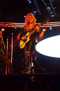 Demi Lovato - Neon Lights Tour 2014