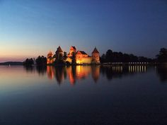 Trakai Castle in Night Oh The Places You'll Go, Places To Travel, Places To Visit, Beautiful World, Beautiful Places, Beautiful Pictures, Baltic Region, 14th Century, Lithuania