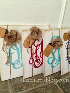custom monogram signs are the perfect Christmas gift!