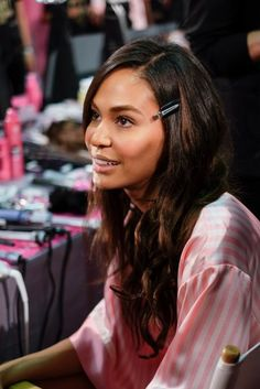 00710d408d 18 Best BACKSTAGE BEAUTY MOMENTS FROM THE VICTORIA S SECRET FASHION ...
