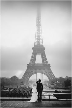 Anniversary shoot in Paris | Image by Celine Chhuon Photography