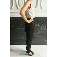"""BLACK FRIDAY💃✌🙈😄 Empezamos el día con este precioso mono """"varsovia"""" bicolor con parte de arriba en dorado💛 por 29,90€. Hoy hazte con él con un 10% de descuento en   👉WWW.LILOUMODA.COM👈 con el código """"BFLILOU""""🔝👯 Buenos días!!😍😘😍😘😍 #moda #fashion #style #stylish #blackfriday #descuentos #cupón #look #instalook #instafashion #instablog #blogger #fashionista #cute #girls #girly #cool #outfit #love #beautiful #fashionlover #fashionaddict #fashionstyle #styleaddict #styles #viernes…"""