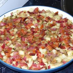 german potato salad - it is served warm, has a little big of sugar in it, bacon, it is really tasty (no mayo) Potato Dishes, Potato Recipes, New Recipes, Salad Recipes, Cooking Recipes, Favorite Recipes, Healthy Recipes, German Recipes, Recipies