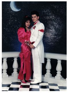 35 Ridiculous '80s PromPhotos-  That totally would have been my dress if I went to prom in the 80's