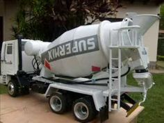 Miniatura de caminhão betoneira slids