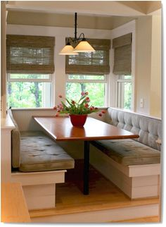 77 Nice Banquette Sitting Ideas for Kitchen - Lovelyving.com Kitchen Booths, Kitchen Seating, Kitchen Nook, Table Seating, Table Bench, Kitchen Tables, Kitchen Dining, Banquette Seating In Kitchen, Beige Kitchen
