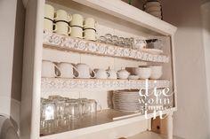 #vintage #küchenkredenz #kitchen #küche #dishes #geschirr #landhausstil #emaille Bathroom Medicine Cabinet, Vintage, Enamel, Primitive