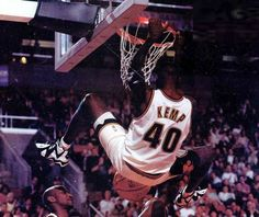 "Shawn ""The Reignman"" Kemp Portland Trail Blazers, Cleveland, All Star, Murcia, White Iverson, John Wall, Basketball Skills, Nba Season, Larry Bird"