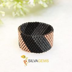 Rose Gold Ring, Geometric Matte Black, Grey and Gold Wide Band Beaded Ring, Gift for Her, Minimalist Ring. Modern Matte Black Matte Grey and Copper Wide Band Beaded Peyote Ring Custom Jewelry, Diy Jewelry, Beaded Jewelry, Jewelry Rings, Silver Jewellery, Jewelry Making, Peyote Beading, Ring Rosegold, Bracelets