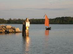 Gull Harbour breakwater. Lake Winnipeg, Gull, Opera House, Rocks, Building, Travel, Viajes, Buildings, Destinations