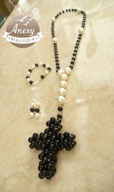 Rosario - Collar Elegance Hope  de perlas - Artesanias Mexicanas :: #Beading #Pearls #Black #White #Prayer Beads