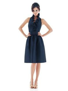 I like this dress a lot. I think it would be flattering on everyone...and it has pockets!!!