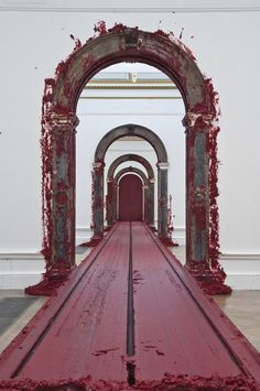 Anish Kapoor modern art pieces - Everything About Charcoal Drawing and Sculpture Anish Kapoor, Lisson Gallery, Art Gallery, Modern Art Sculpture, Sculpture Ideas, Pop Art, Street Installation, Royal Academy Of Arts, Land Art