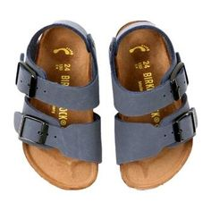 Birkenstock Toddler/Little Kid Roma Sandal Outfits Niños, Baby Boy Outfits, Kids Outfits, Toddler Outfits, Baby Girl Shoes, My Baby Girl, Girls Shoes, Baby Girl Sandals, Baby Girl Fashion