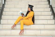 Nursing Graduation Pictures, Graduation Look, Graduation Picture Poses, College Graduation Pictures, Graduation Photoshoot, Grad Pics, Grad Pictures, Graduation Outfits, Graduation Ideas