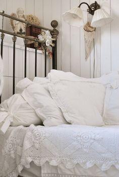 Bedroom lining romantic