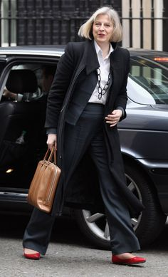 Pin for Later: British Prime Minster Theresa May Has a Style Mantra For All Power Women A Chunky Chainlink Necklace Theresa May, Executive Woman, British Prime Ministers, Cool Style, My Style, Work Wardrobe, Powerful Women, Older Women, Womens Fashion