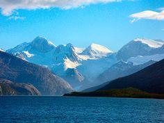 Cordillera Darwin. parque Nac. Alberto Agostini. Tierra del Fuego. Chile.  www.terminalia.com Antartica Chilena, Mount Everest, Mountains, Nature, Travel, Mountain Range, National Parks, Fire, Earth
