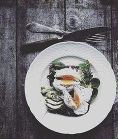 Co powiecie o takiej propozycji na kolacje? Kanapeczka z jajkiem na szpinaku i roszponce + awokado 👌  #fit #kolacja #smacznego #handmade #zdrowejedzenie #breakfast #sandwiches #fitbreakfast #fitprzepisy #eatclean #cleaneating #healthy #healthyfood #healthhbreakfast #lovefit #lovefood #yummy #lovely #healthyrecipes #protein #przepis #food #foodporn #befit #inspiration #followme  Yummery - best recipes. Follow Us! #healthyrecipes