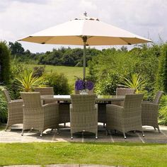 Bramblecrest Cotswold 8 Seat Elliptical Rattan Dining Set