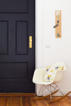 Front Door Makeover - Adding Panelling to a plain door. Painted in Paean Black by Farrow & Ball Black Front Doors, Painted Front Doors, Front Door Colors, Front Door Decor, Black Door, Farrow Ball, Front Door Farrow And Ball, Oval Room Blue, Door Design Interior