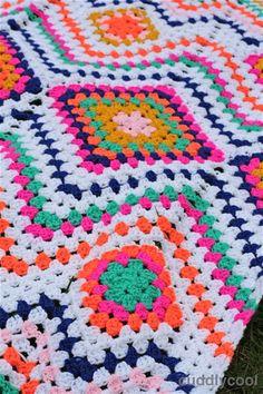 Boho Picknick-kleed Haken – Cuddlycool Square Patterns, Boho, Rug Hooking, Diy Crochet, Sewing Hacks, Projects To Try, Crochet Patterns, Elsa, Crafty