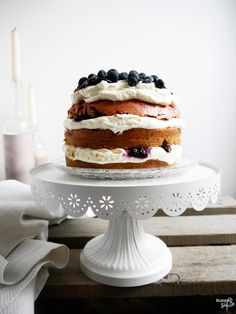 Blueberry Layer Cake: mit Roter Beete und Mohn (with beetroot & poppyseed)