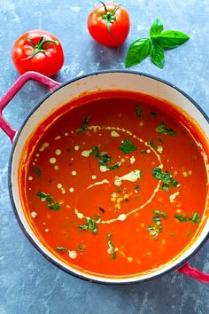 Gardening Tomatoes This creamy basil roasted tomato soup is pure summer in a bowl! Roasted garden tomatoes, fresh basil, and charred sweet corn pack in so much incredible flavor. Roasted Tomato Soup, Tomato Soup Recipes, Roasted Tomatoes, Tomato Garden, Tomato Basil, Garden Tomatoes, Indian Food Recipes, Healthy Recipes, Ethnic Recipes