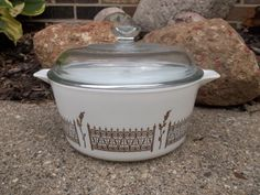 RARE Pyrex 1-1/2 Quart Covered Casserole White With Gold/Bronze Fence !! #Pyrex