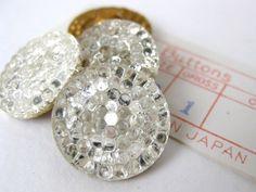 Vintage+Glass+Button.+Crystal+Reflector+por+BumbershootSupplies,+$6.00