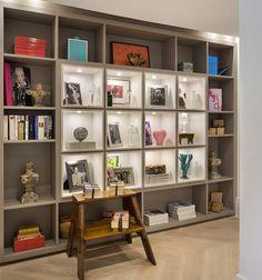 A gente adora os detalhes de uma estante... 💗 {por Joy Garrido, para Casa Cor RJ}
