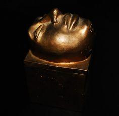 Sculptor | Beatriz Cunha | Escultura: Caixas em bronze | Bronze boxes