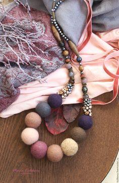 """Купить """"Цветы лиловых полей"""" бусы - сиреневый, лиловый, бусы, бусы из шерсти, войлочные бусы"""