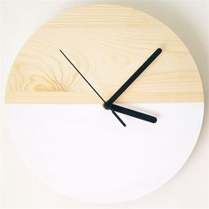 Modern Natural Wood Wall Clock //Price: $79.70 & Worldwide Shipping // #interior #room