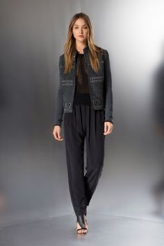 Elie Tahari Resort 2015 Collection Slideshow on Style.com