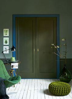 Décor do dia: Hall de entrada com tons de verde e pórtico azul (Foto: reprodução)
