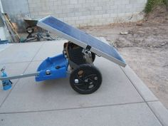 DIY Portable Solar Generator - Great little solar generator... attach to a bike for easy transportation too :) #shtf #prepping #survival #solar