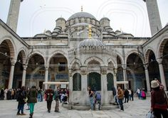 New Mosque The courtyard and şadırvan of the mosque