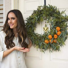 Holiday Entertaining: Make An Orange & Eucalyptus Wreath! | Front Roe by Louise Roe