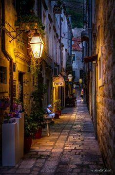 Night street, Dubrovnik, Croatia