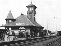 Air Line Station, Simcoe, served Grand Trunk and Wabash Railroads, original station burned in 1904, rebuilt following year, circa, 1906. This building destroyed by fire in 1930.