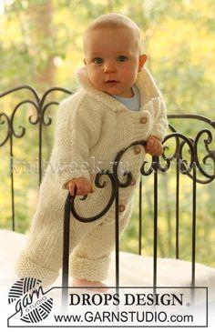Детский комбинезон спицами на пуговицах