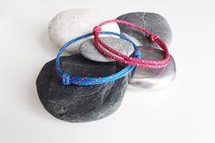 Deux bracelets nautiques. Un ROSE, un BLEU. Corde drisse ou garcette. Bracelets porte bonheur pour couple. Deux Bracelets marins été 2016 de la boutique BBSdeParis sur Etsy